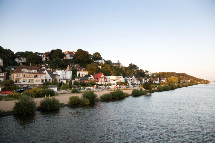 Der Elbstrand in Hamburg Blankenese