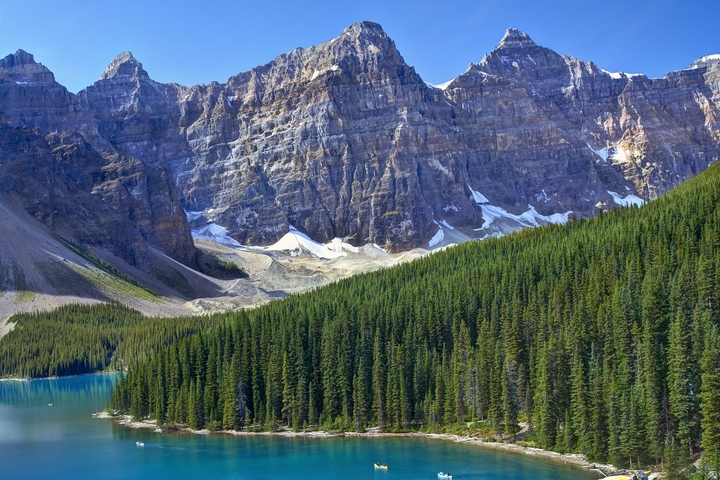 Seasons_10312441_HiRes_Kanada_Alberta_Banff_National_Park_Moraine_Lake_Gletscher_Kanus-KlausBossemeyer